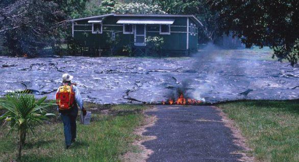 Locuitorii din Hawaii înfruntă riscul de a locui la poalele vulcanilor activi, atrași de chiriile mici