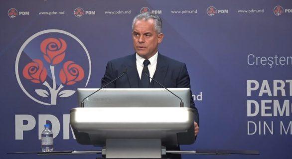 """Plahotniuc le-a cerut democraților să discute cu fracțiunile și să voteze ziua alegerilor parlamentare """"cât de curând posibil"""""""