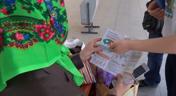 Cetățenii care merg în străinătate prin Gara Chișinău, informați despre votul din afara țării