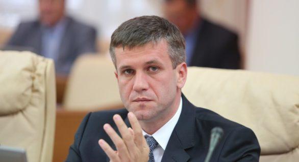 Opinii despre înaintarea lui Botnari la șefia SIS: În campania electorală va putea fi monitorizat oricine