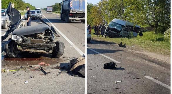 Grav accident rutier pe traseul Chișinău-Bălți. Un tânăr de 25 de ani a murit pe loc în urma impactului cu un microbuz de pasageri
