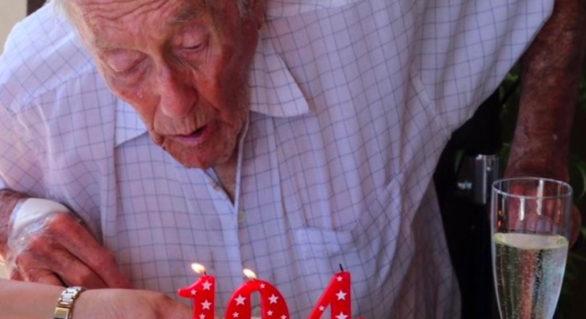 Un celebru botanist australian de 104 ani a ales să fie eutanasiat. Pleacă în Elveția pentru acest lucru
