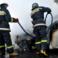Automobil cuprins de flăcări pe strada Petricani din capitală. Pompierii au intervenit prompt