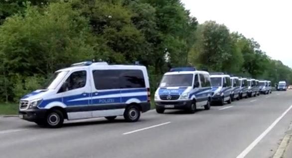 Sute de polițiști germani împotriva unor suspecți de trafic de persoane, majoritatea victimelor fiind din Moldova