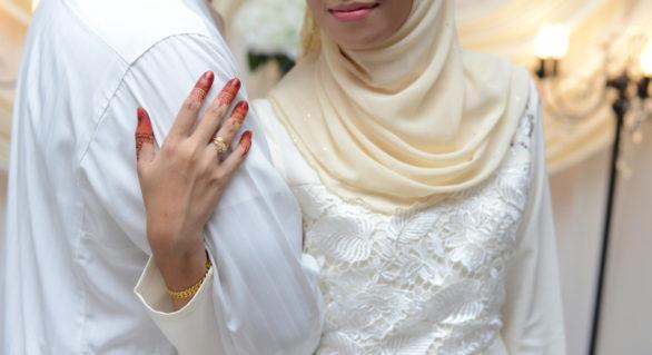 """Un arab a divorțat la doar 15 minute după căsătorie, pentru că s-a simțit """"insultat și umilit"""" de socru"""
