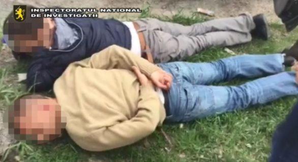 (VIDEO) Doi tineri din Edineț, reținuți la intrarea în țară cu droguri de 70.000 lei. O pastilă de Subutex, comercializată la preț de o mii de lei