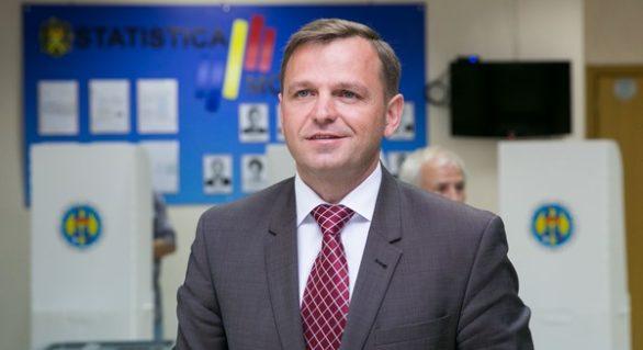 Andrei Năstase: De tărăgănarea validării mandatului are nevoie mafia imobiliară