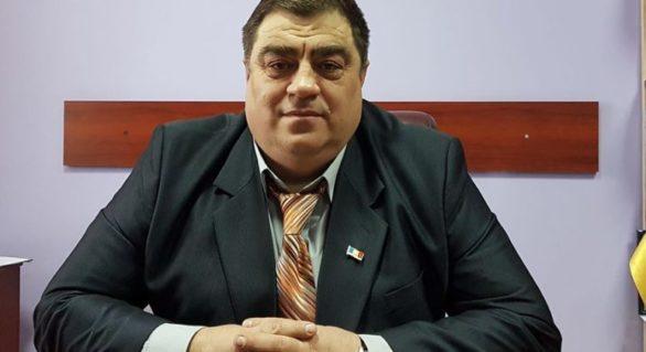 Primarul comunei Trușeni și președintele unei întovărășiri pomicole din localitate, reținuți pentru scheme cu zeci de mii de euro