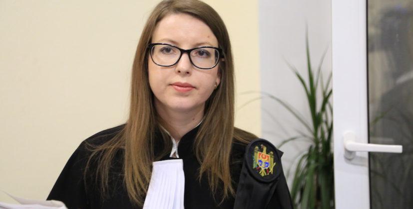 Judecătoarea care nu a validat alegerile locale, anterior l-a restabilit în funcție la Primărie pe Igor Gamrețki