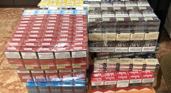 Circa 30.000 de țigarete, depistate de vameși la ieșirea din țară