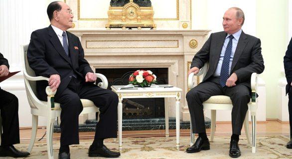 Vladimir Putin a primit o scrisoare de la Kim Jong Un, transmisă personal de un emisar al acestuia