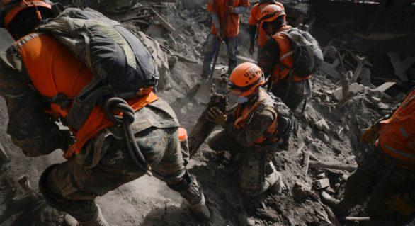 Cel puțin 99 de morți și 200 dispăruți în urma erupției vulcanului Fuego în Guatemala