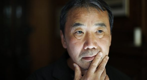 Cel mai recent roman semnat de Haruki Murakami, declarat drept indecent de un tribunal din Hong Kong
