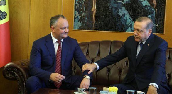 Președintele Igor Dodon și-a repetat, a câta oară, invitația președintelui turc de a vizita Moldova, deja în august