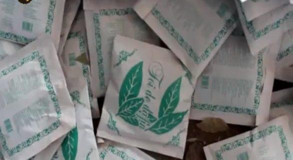 Comerciant de frunze de dafin, raportat la Poliție pentru că activa fără acte de proveniență a mărfii