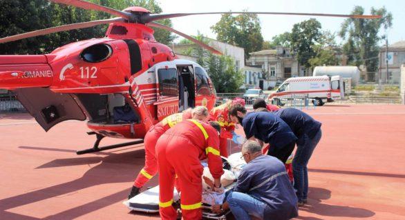 Un adolescent din Soroca, transportat de un echipaj aero-medical SMURD spre Chișinău, după ce, acum o lună, s-a lovit la cap