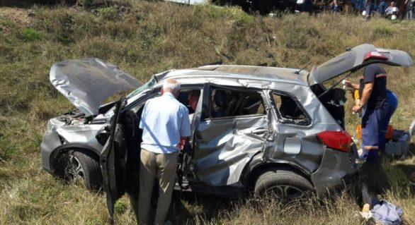 (FOTO) Mașină tamponată de o locomotivă în Căușeni. O femeie a murit
