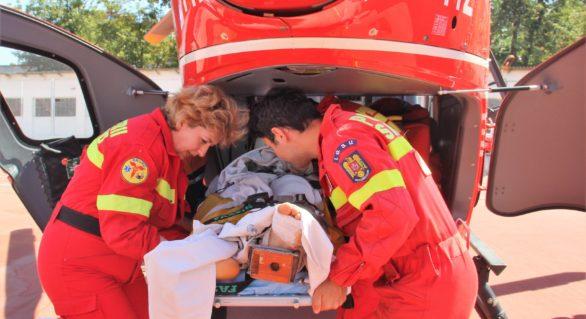 Un băiat de 15 ani din Florești, rănit într-un accident de motocicletă, transportat pe calea aerului spre capitală