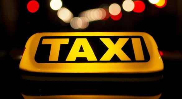 Companiile de taxi vor fi obligate să aibă în dotare automobile adaptate pentru transportarea persoanelor cu dizabilităţi locomotorii