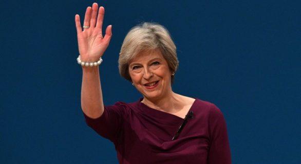 Partidul Conservator al Theresei May îl devansează pe cel Laburist în urma unei dispute asupra antisemitismului