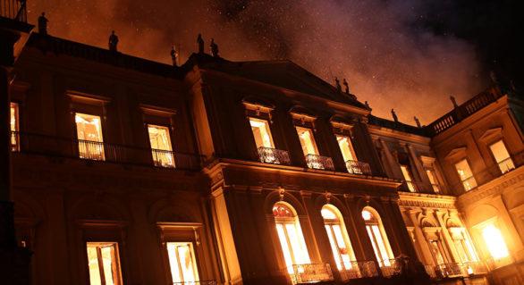 Reconstrucția Muzeului din Rio de Janeiro, distrus de flăcări, ar putea dura zece ani