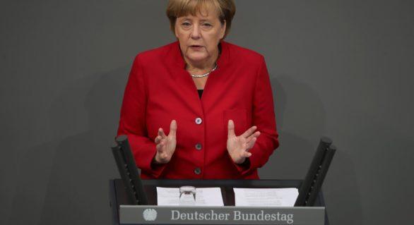 Angela Merkel nu exclude participarea Germaniei la eventuale atacuri aeriene împotriva Siriei