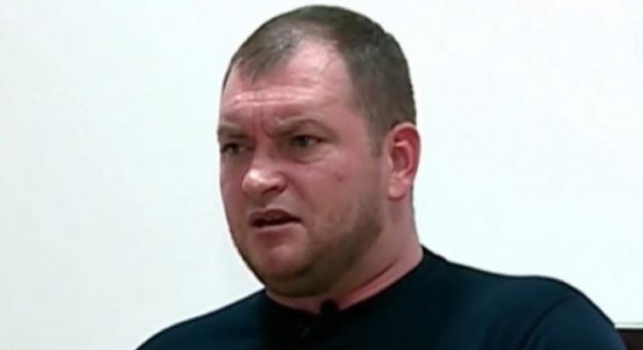 Singurul funcționar învinuit de eliberarea pașaportului killerului Vitalie Proca, scapă basma curată. Procurorul a cerut recalificarea dosarului