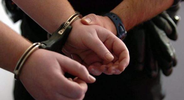 Un tânăr de 19 ani a evadat din Inspectoratul de Poliție Buiucani și a urcat în troleibuz, având cătușele la mâini. Ce s-a întâmplat ulterior