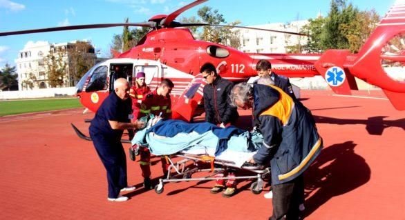 (VIDEO) Încă o operațiune aero-medicală SMURD în Moldova. Un bărbat din Cahul, transportat spre capitală