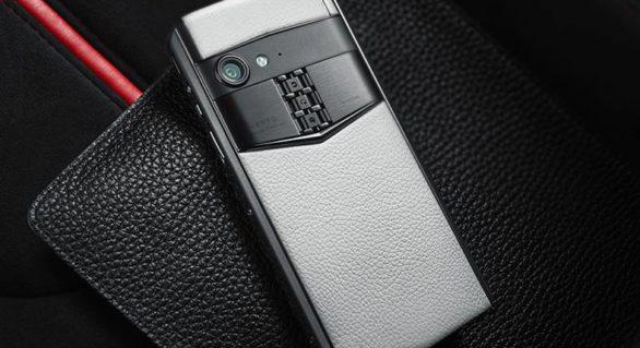 Unul dintre cele mai scumpe telefoane revine pe piață cu un nou model. Ce specificații are smartphone-ul