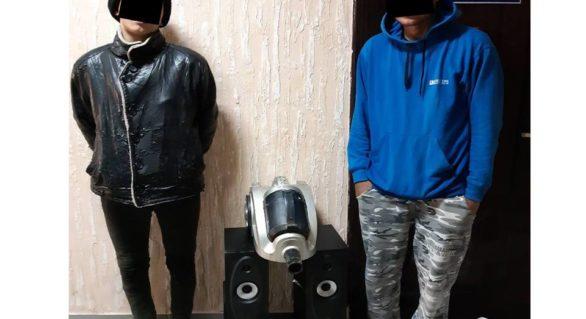 Un tânăr și un minor, reținuți pentru furt dintr-o vilă. Ce riscă suspecții, anterior judecați pentru furturi din automobile