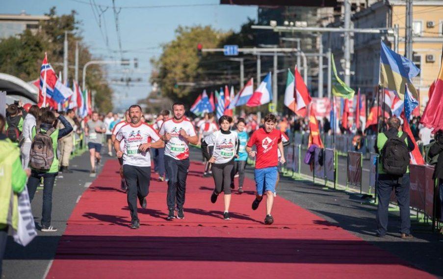 """Cel de-al patrulea """"Maraton Internațional Chișinău"""" a fost cucerit de 18.000 de persoane"""