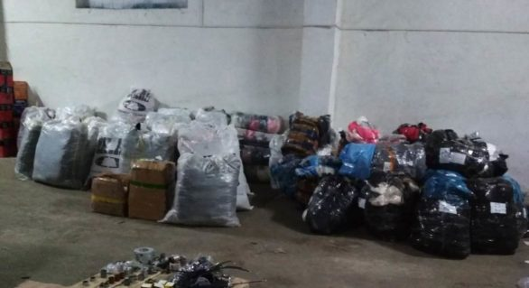 Mărfuri de contrabandă în valoare de circa un milion de lei, depistate într-o gospodărie din Briceni. Ce riscă proprietarul