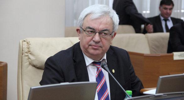 """Președintele AȘM, Gheorghe Duca, membru din oficiu al Guvernului, și-a dat demisia. """"Coincide cu procesul penal referitor la salariile familiei noastre"""""""