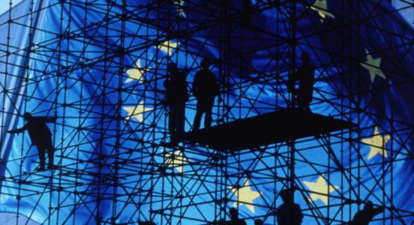 UE aprobă un ajutor financiar pentru jurnaliștii greci care și-au pierdut locul de muncă