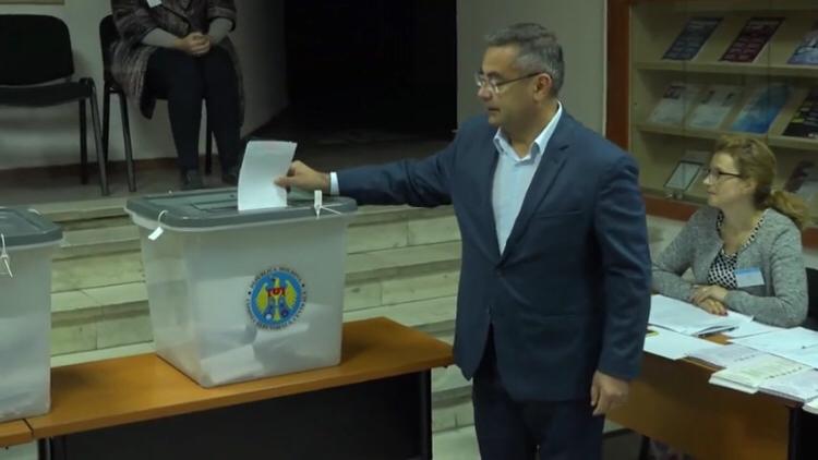 Илиан Кашу проголосовал за «примэрию всех кишиневцев»