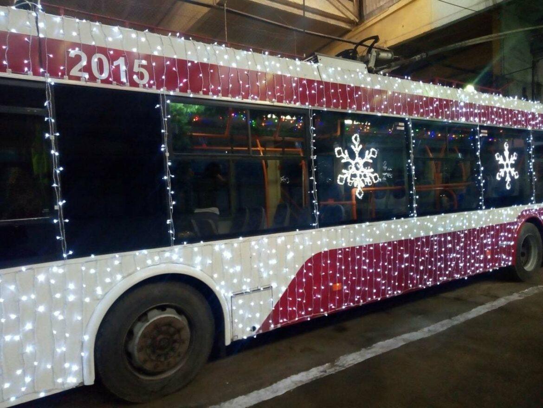 По улицам города Бельцы будет ездить новогодний троллейбус
